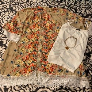 Sweaters - Short camel floral kimono with lace trim